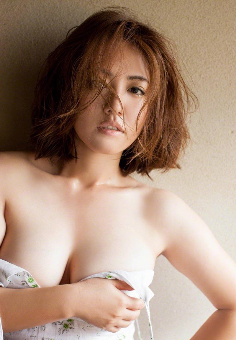 isoyama_sayaka230.jpg