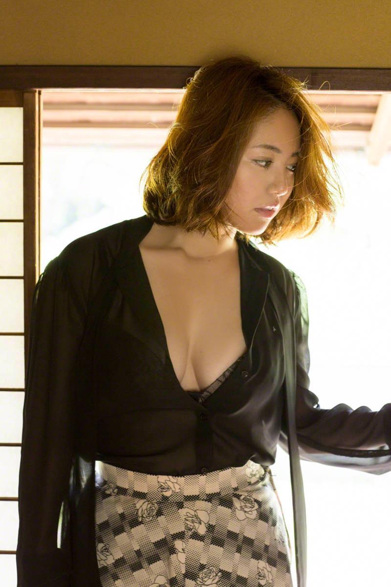 isoyama_sayaka231.jpg
