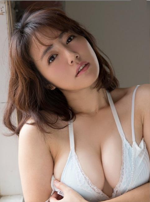 isoyama_sayaka235.jpg