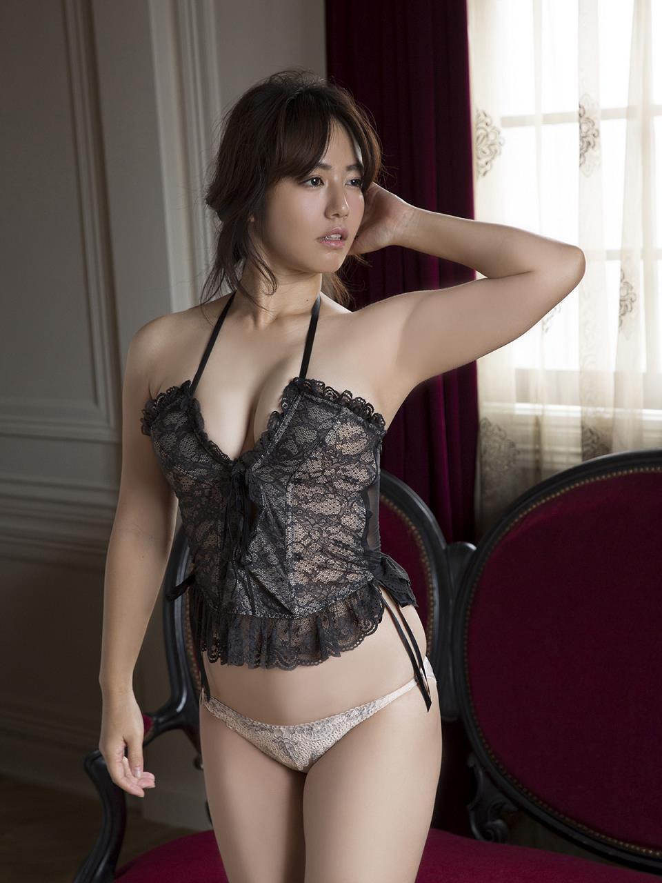 isoyama_sayaka238.jpg