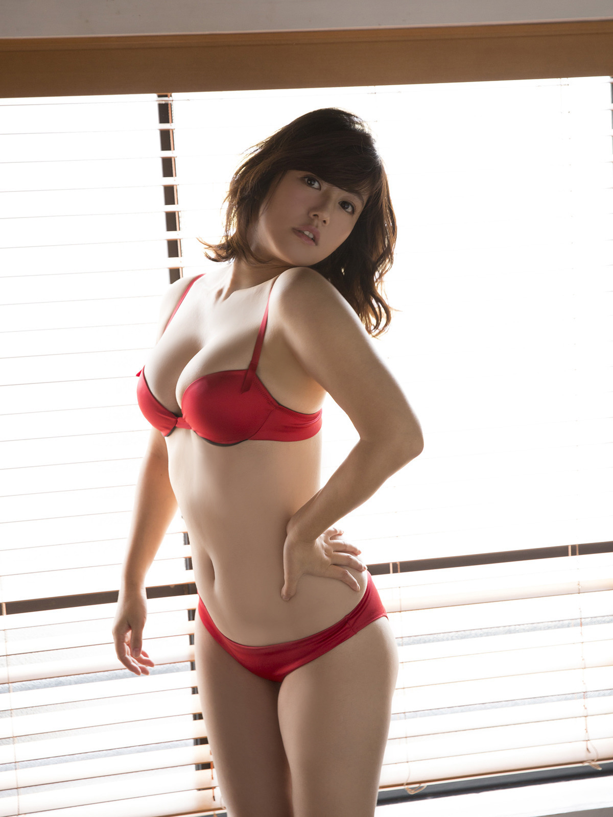isoyama_sayaka239.jpg