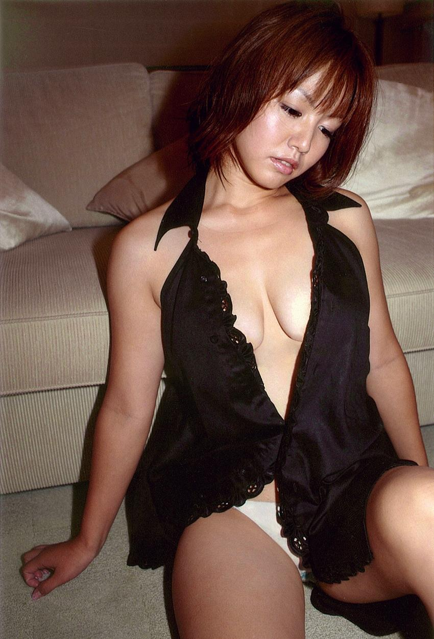 isoyama_sayaka247.jpg