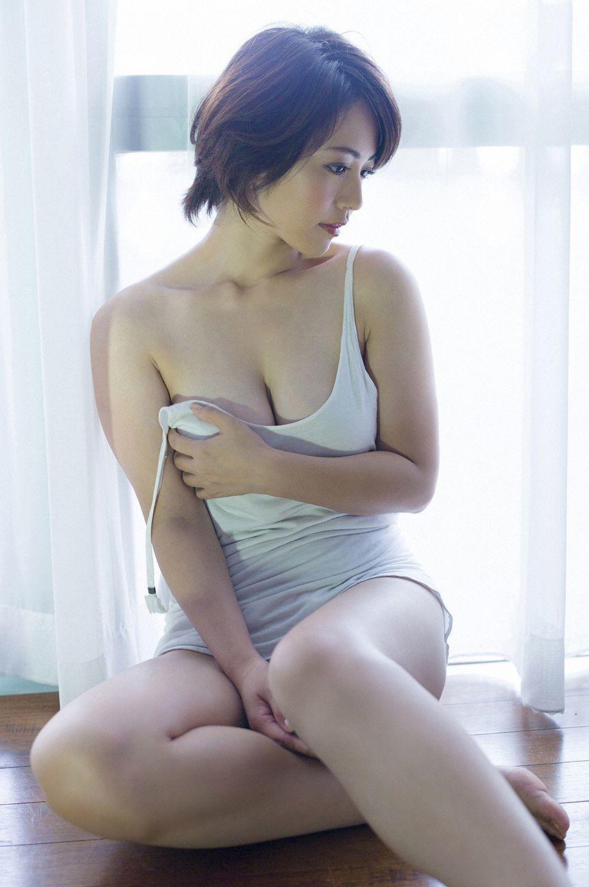 isoyama_sayaka256.jpg