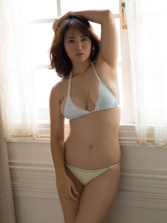 isoyama_sayaka260.jpg