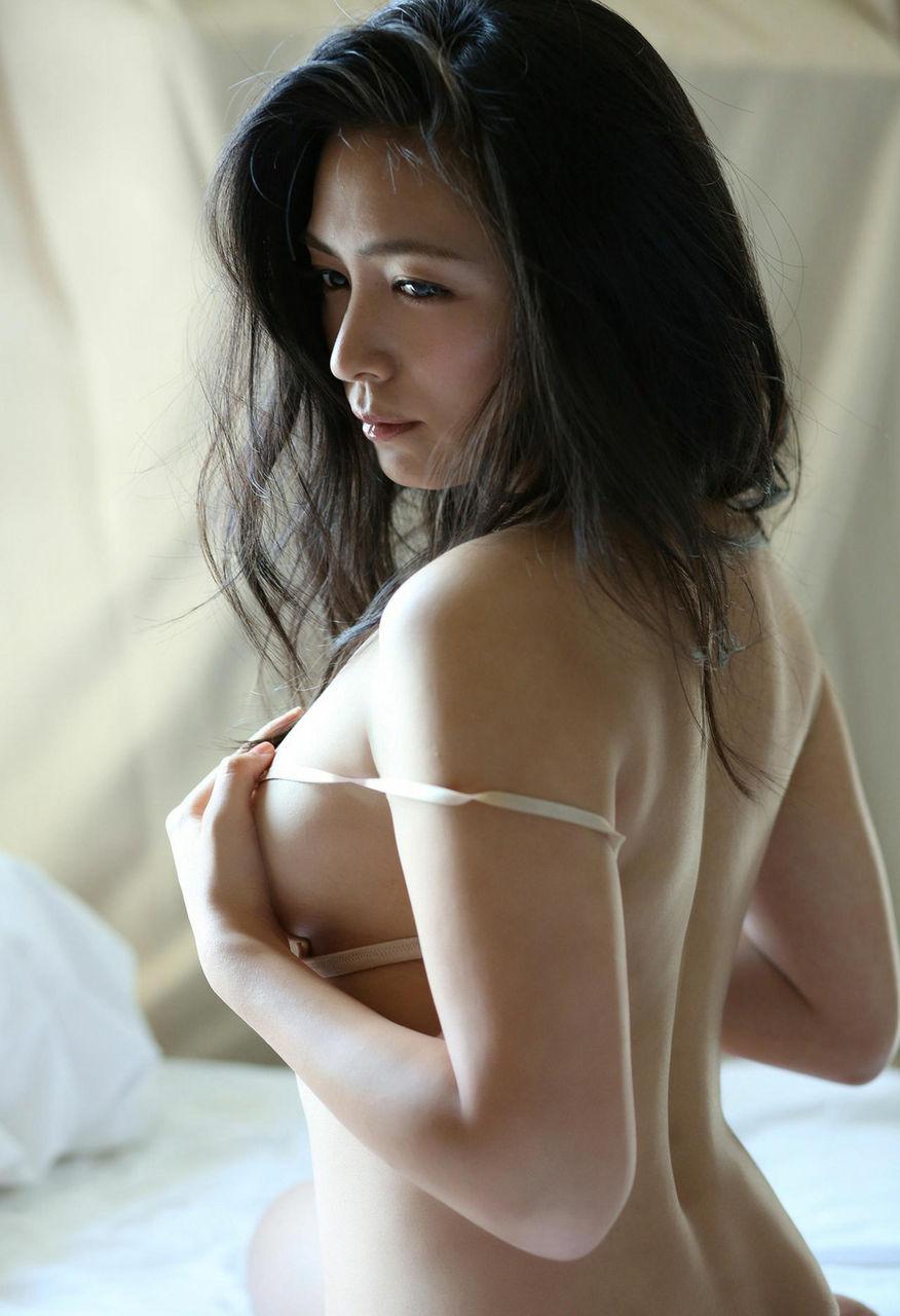 kawamura_yukie238.jpg