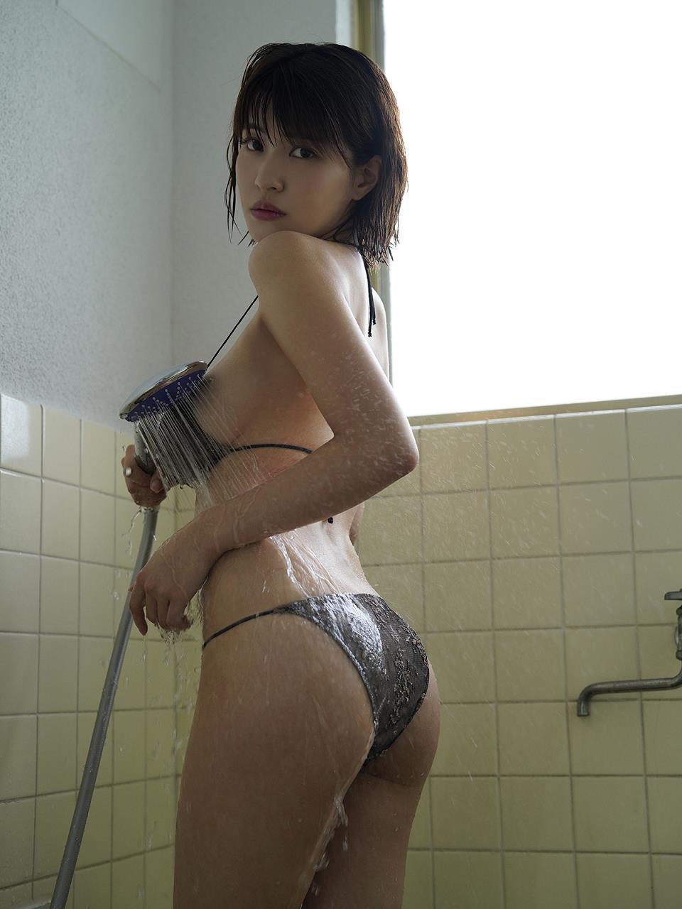 kishi_asuka270.jpg
