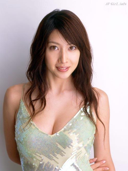 kobayashi_emi061.jpg