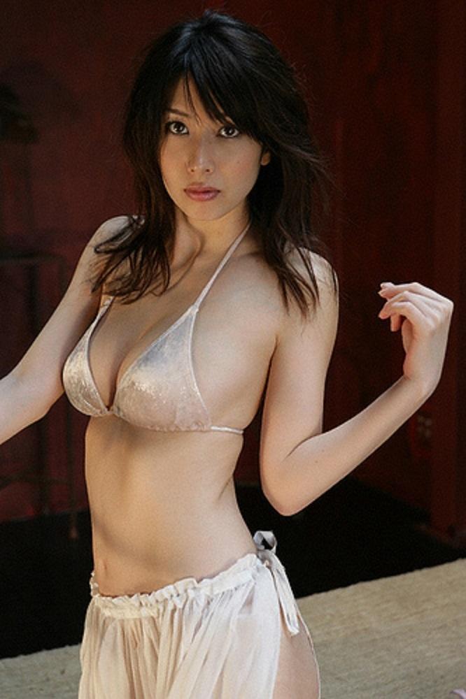 kobayashi_emi072.jpg