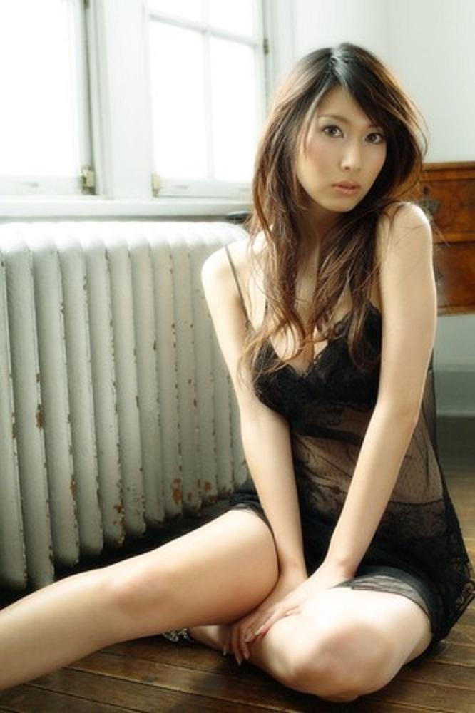 kobayashi_emi073.jpg