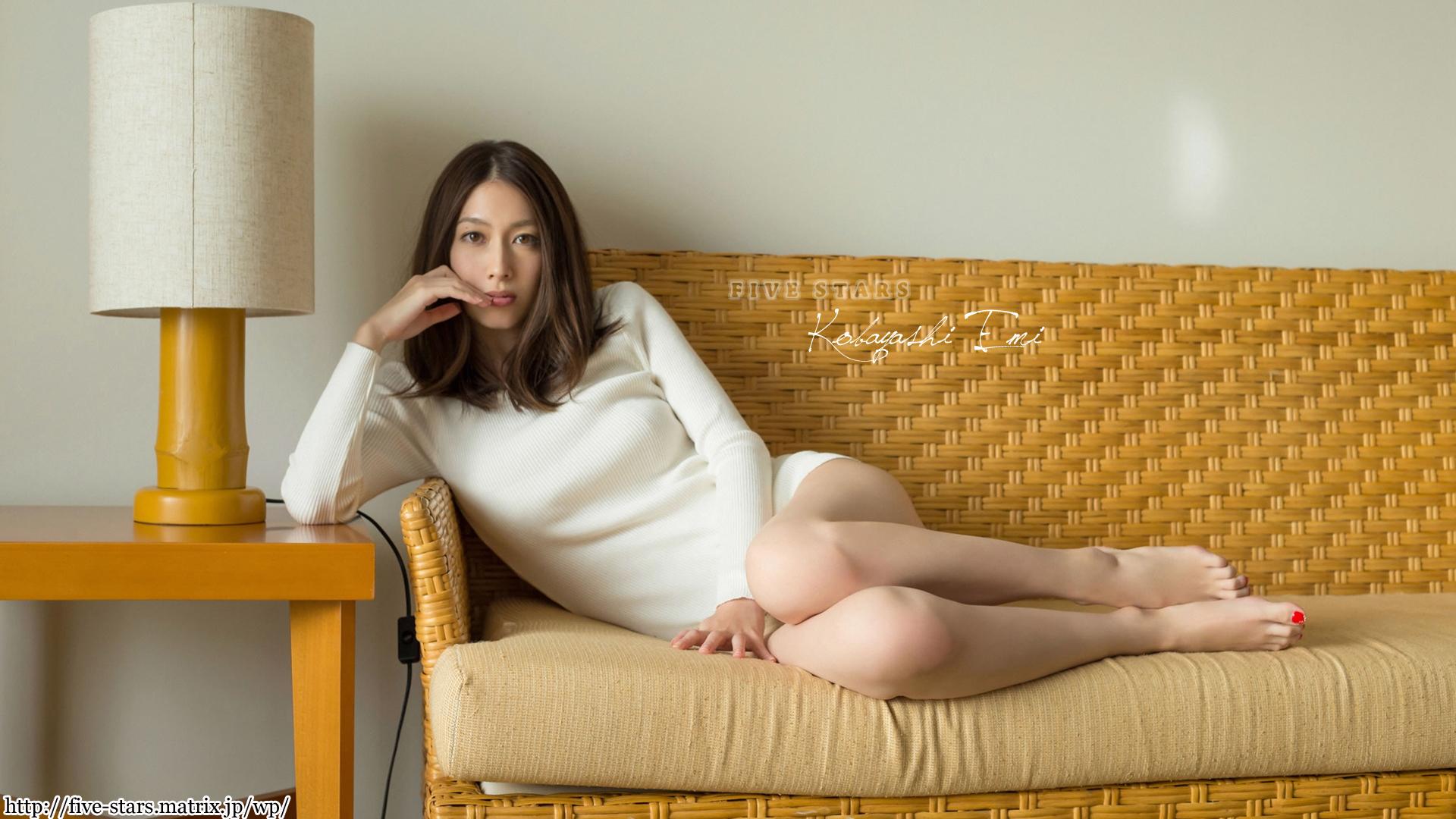 kobayashi_emi081.jpg