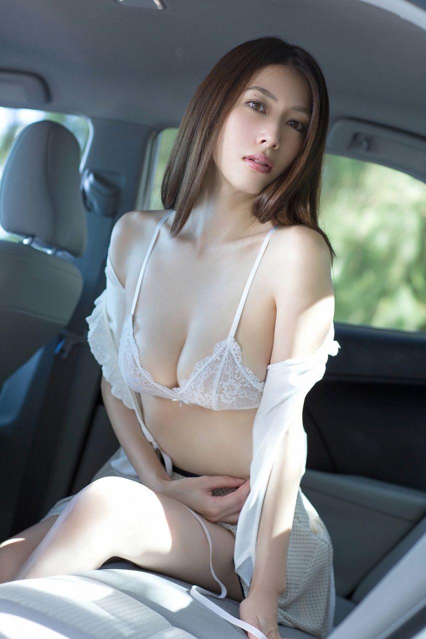 kobayashi_emi095.jpg