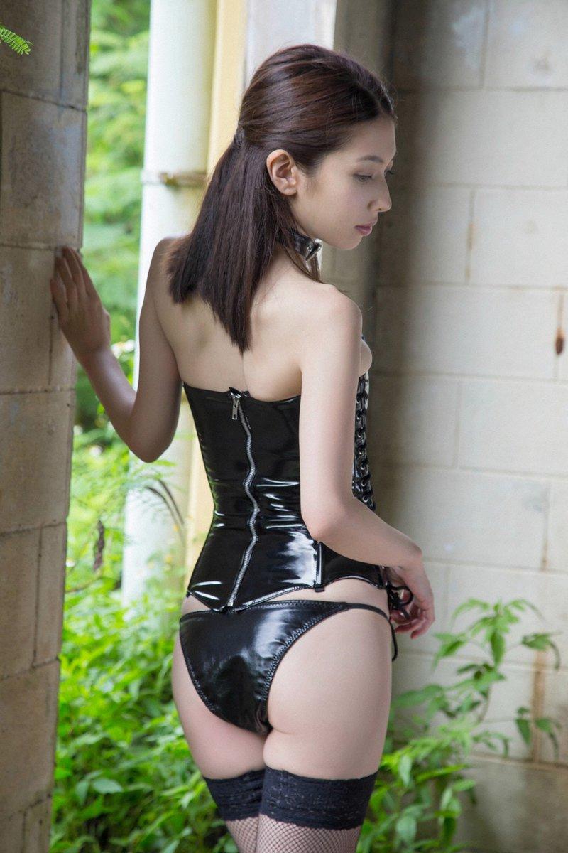 kobayashi_emi097.jpg