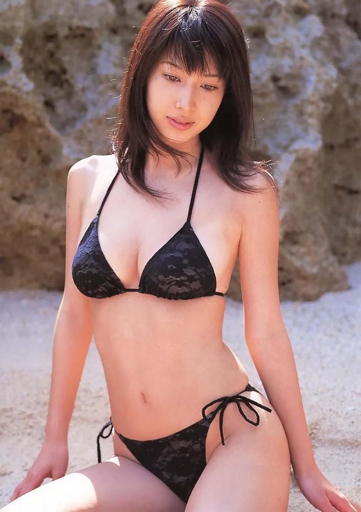 kobayashi_emi103.jpg