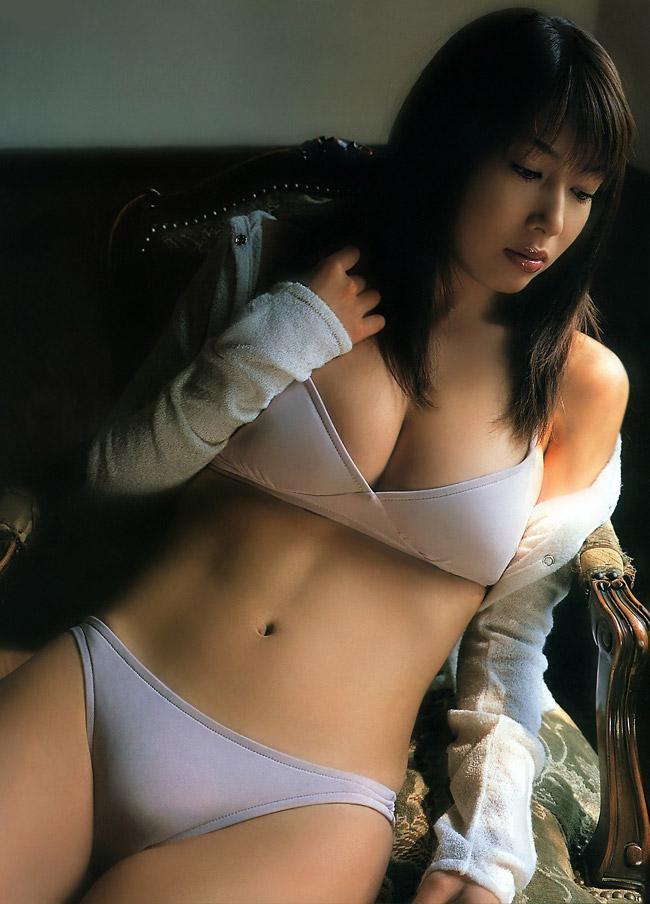 kobayashi_emi106.jpg