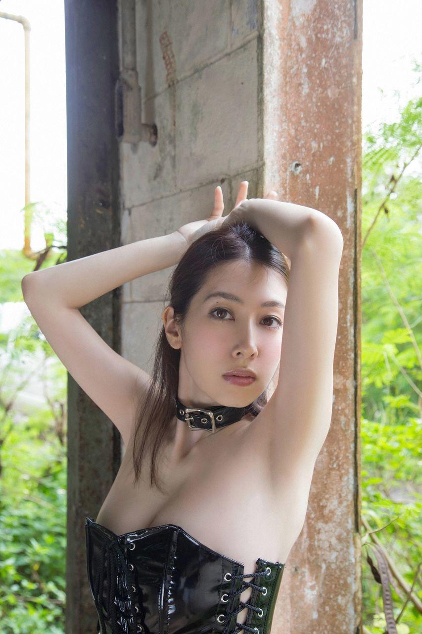 kobayashi_emi114.jpg