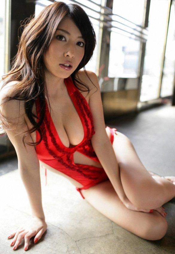 kobayashi_emi115.jpg