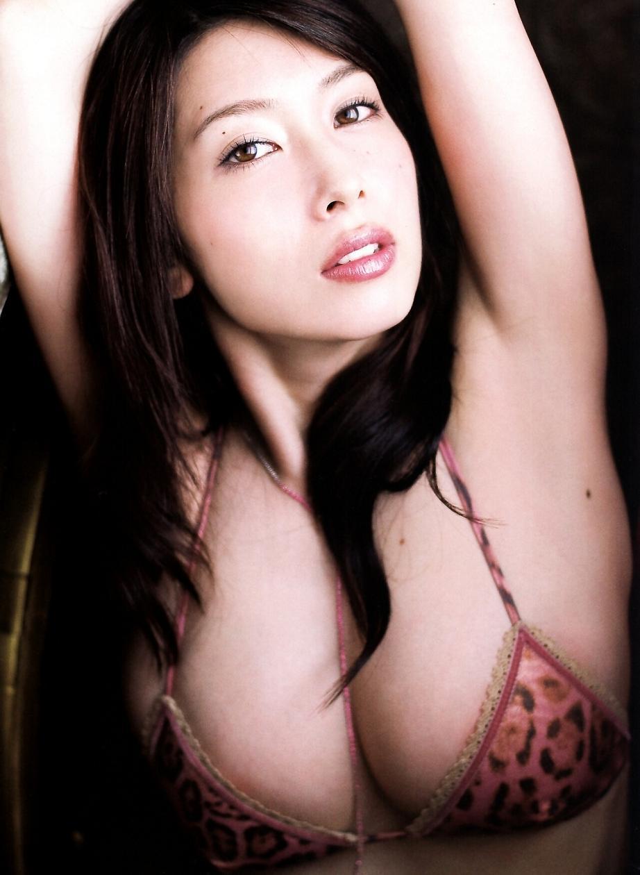 kobayashi_emi123.jpg