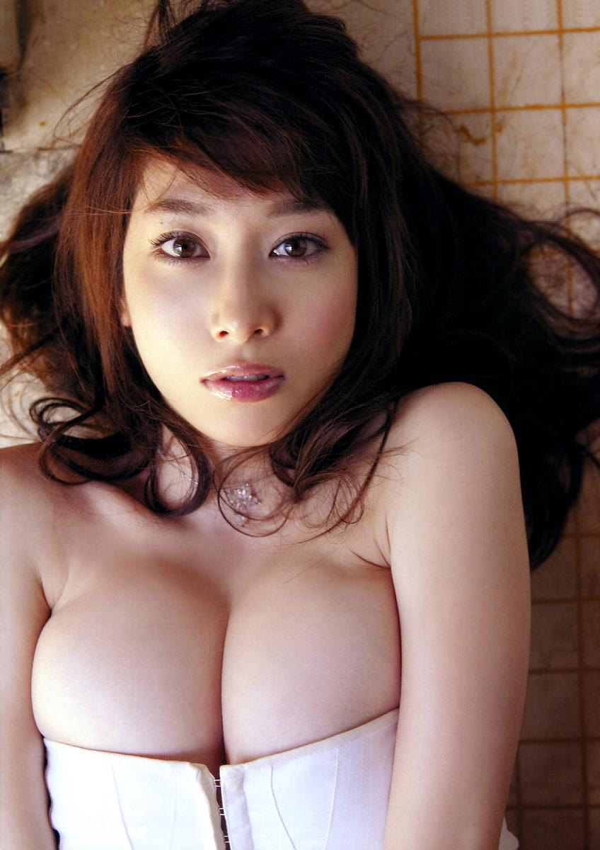 kobayashi_emi134.jpg
