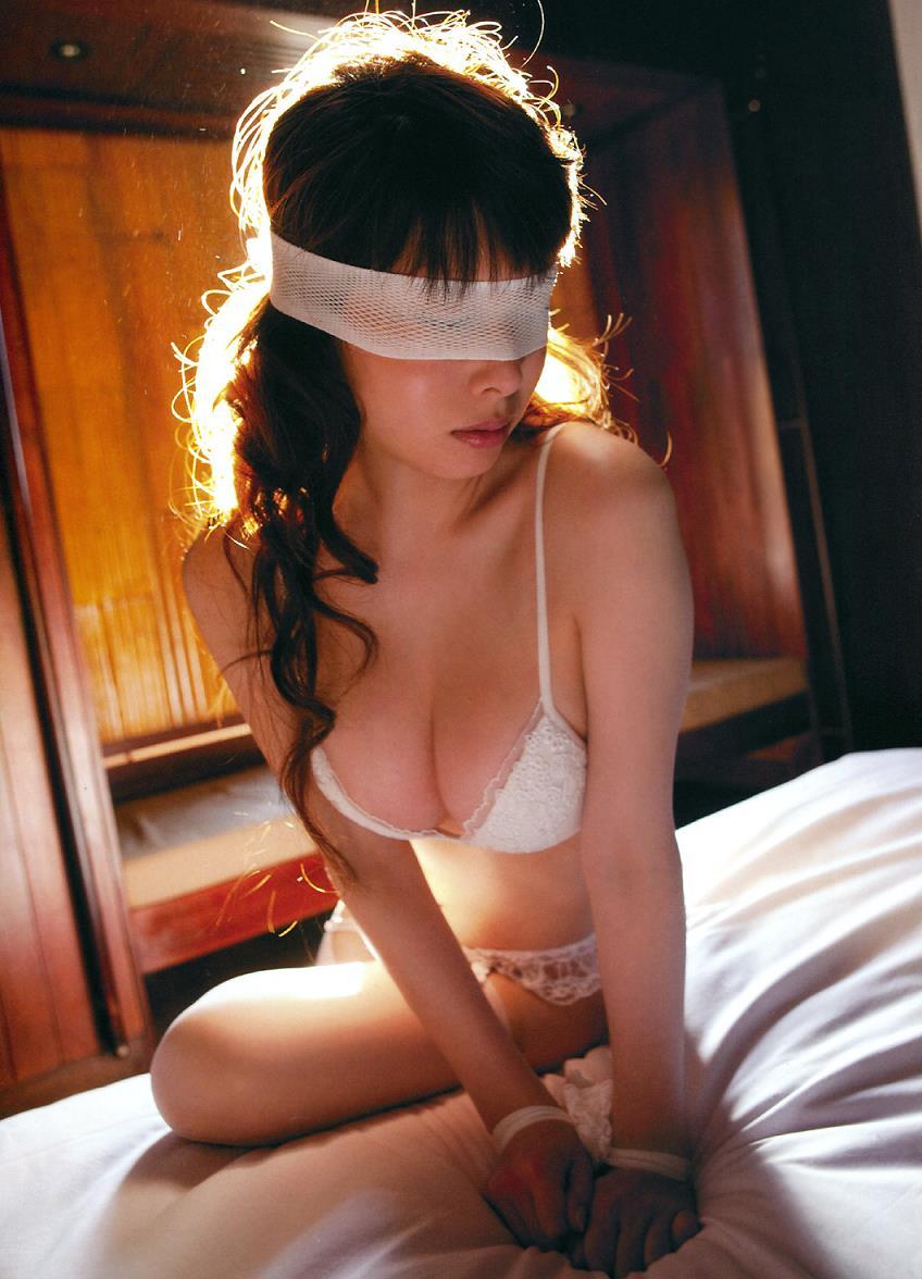 kobayashi_emi136.jpg