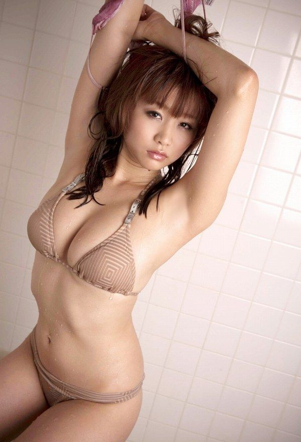 ohta_akina173.jpg