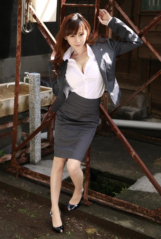 sugihara_anri270.jpg