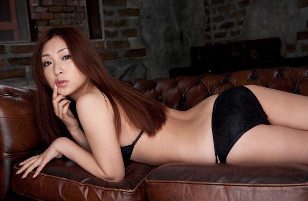 tatsumi_natsuko128.jpg