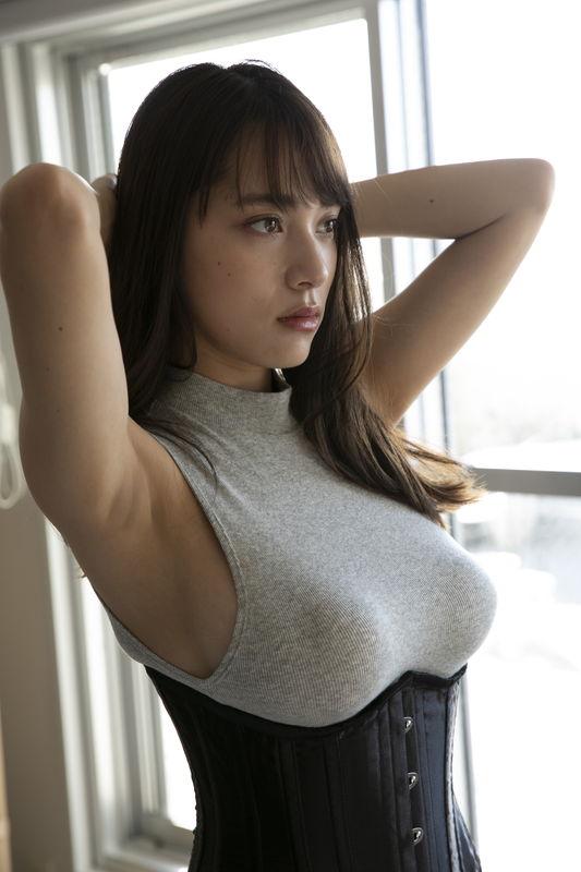 tomaru_sayaka110.jpg