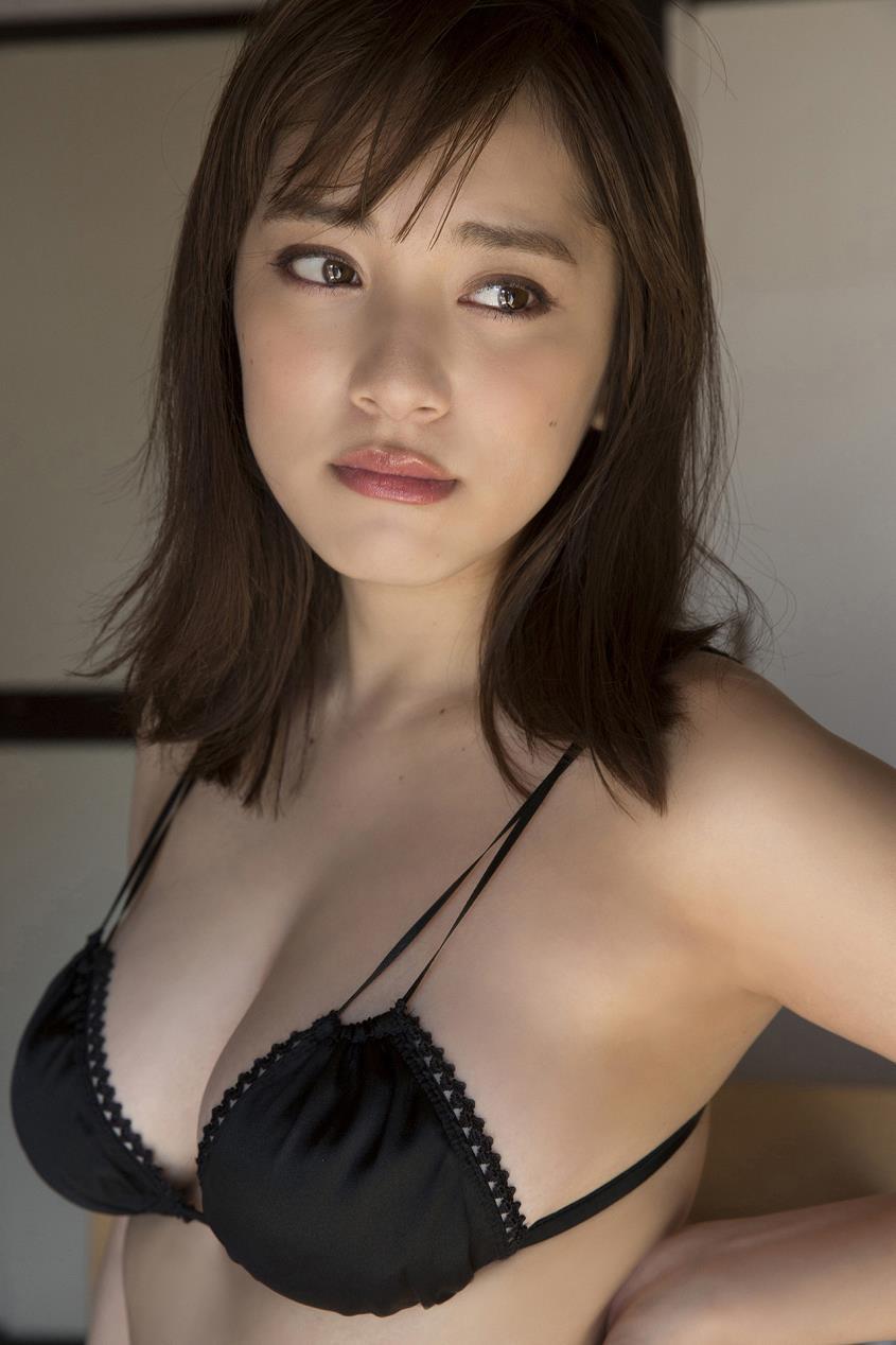 tomaru_sayaka111.jpg