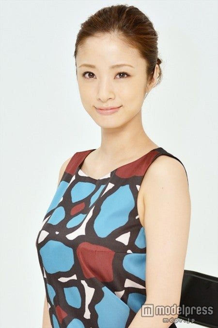 ueto_aya142.jpg