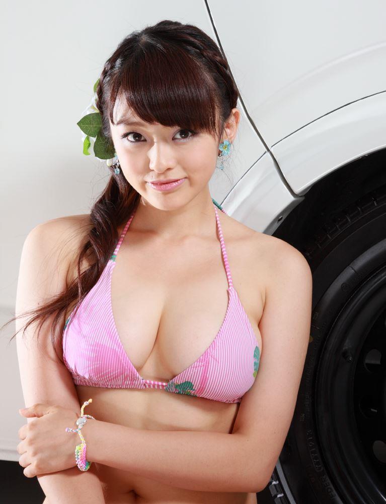 yamachi_mari075.jpg