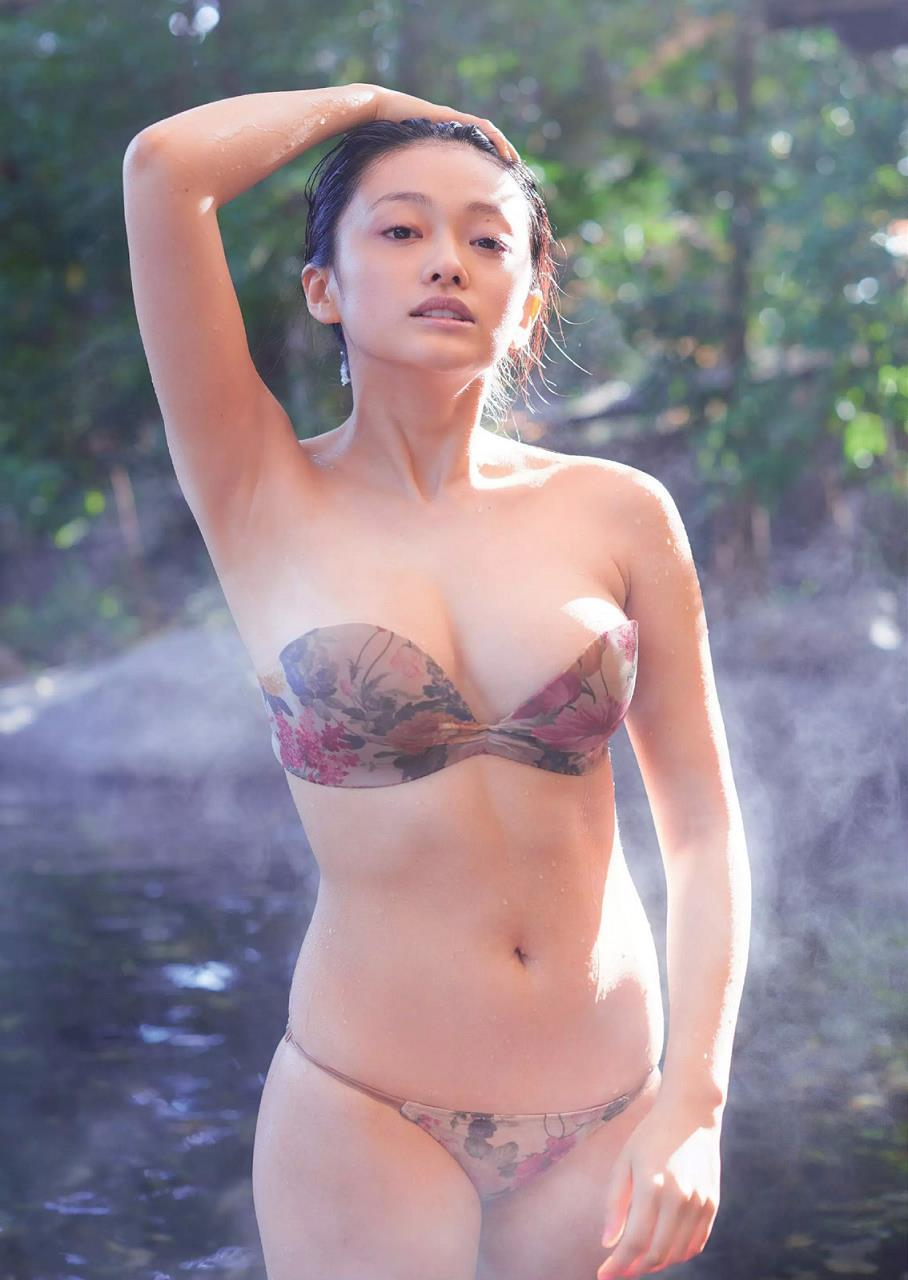 yamachi_mari085.jpg