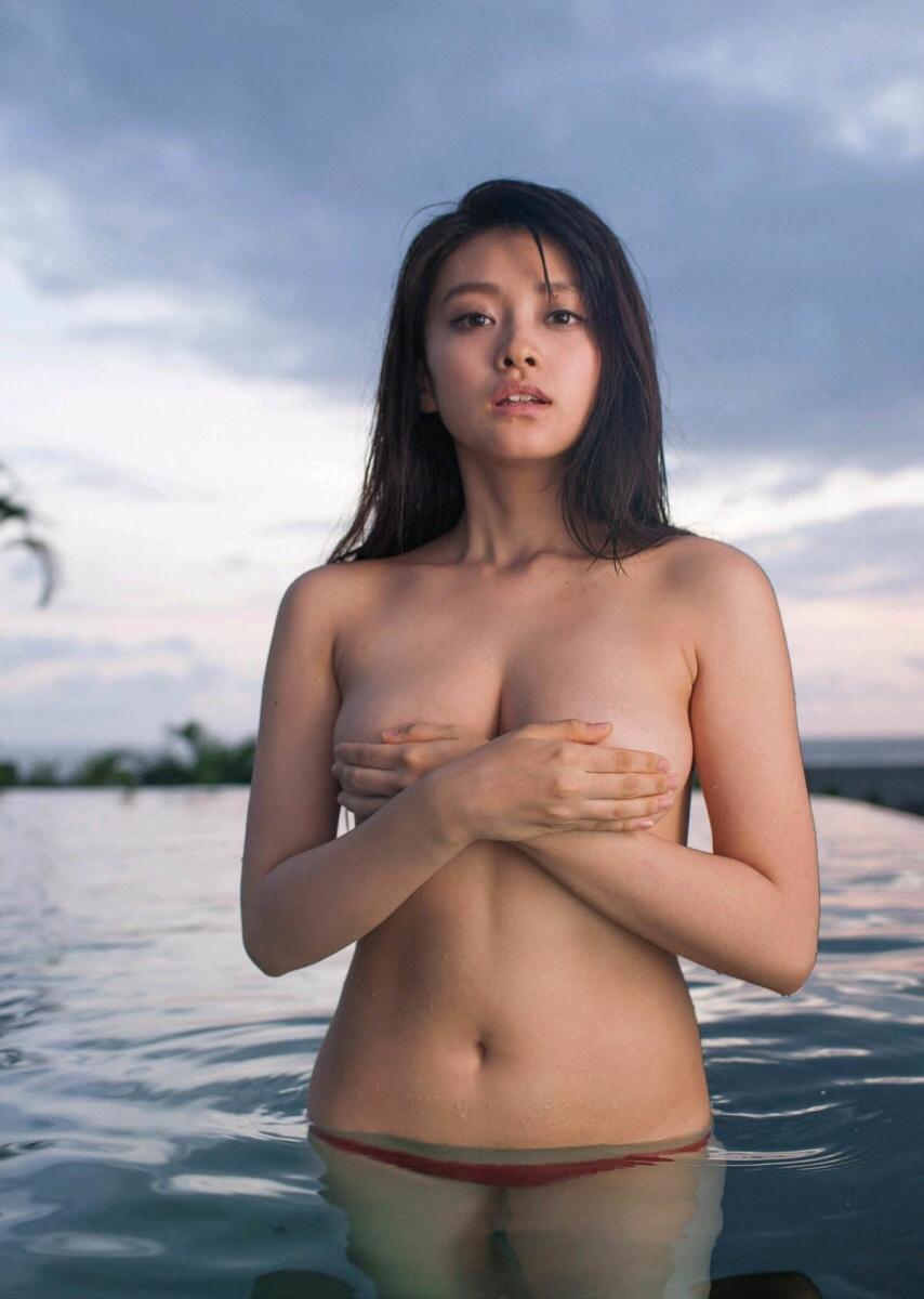 yamachi_mari090.jpg