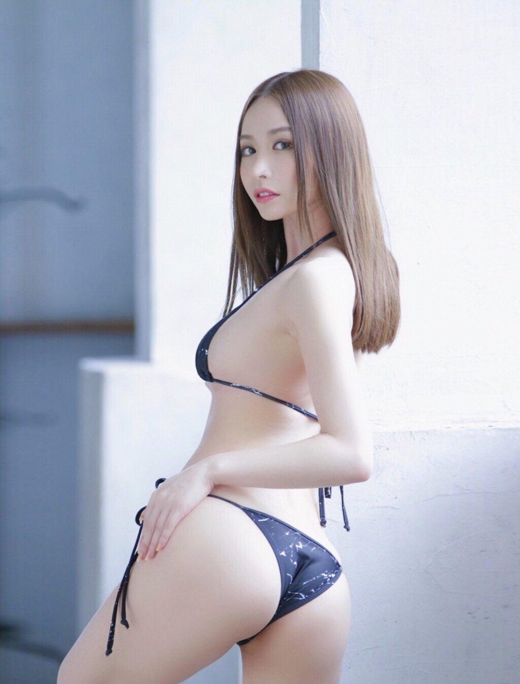 yoshimi_iyo162.jpg