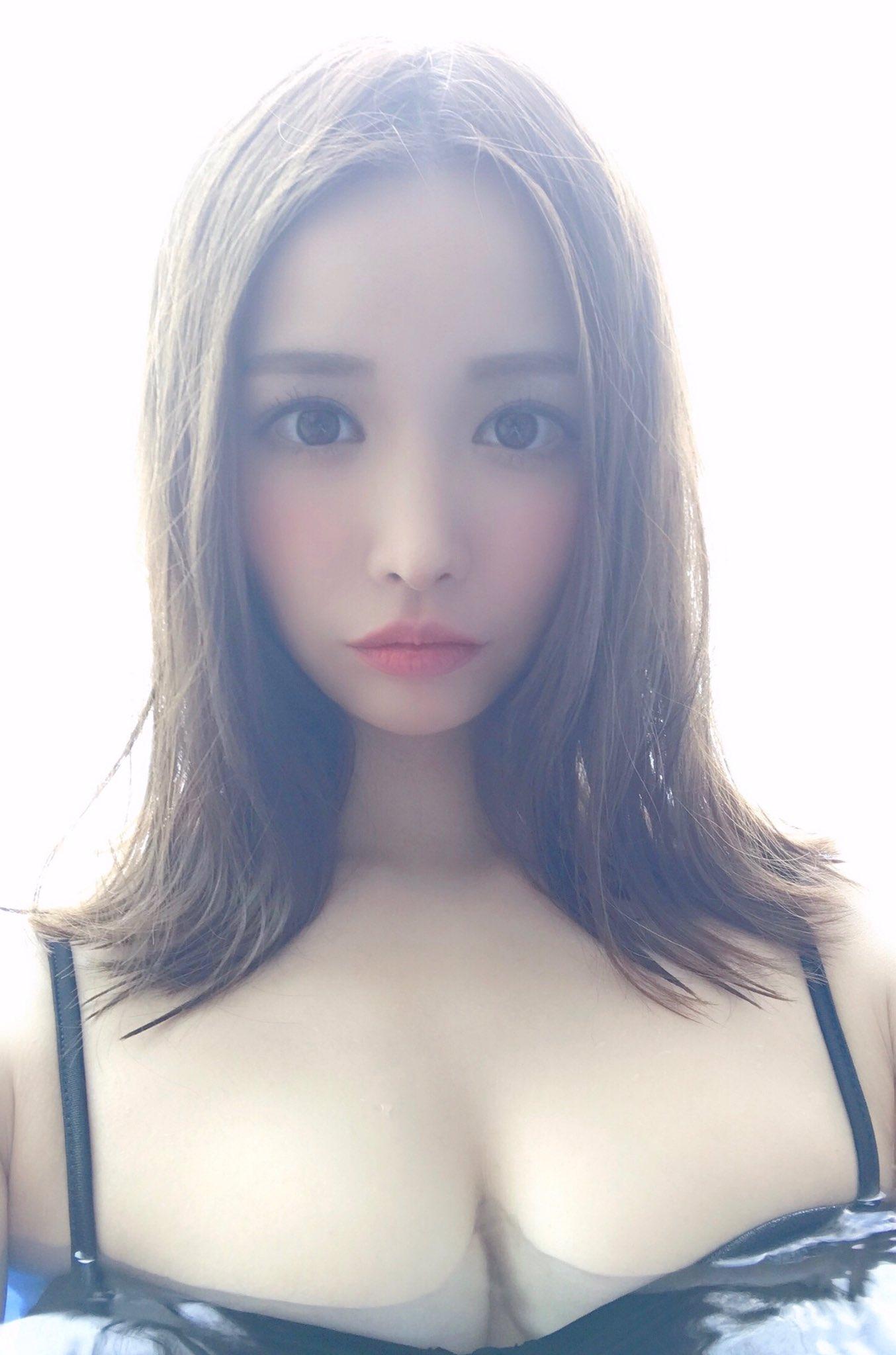 yoshimi_iyo167.jpg