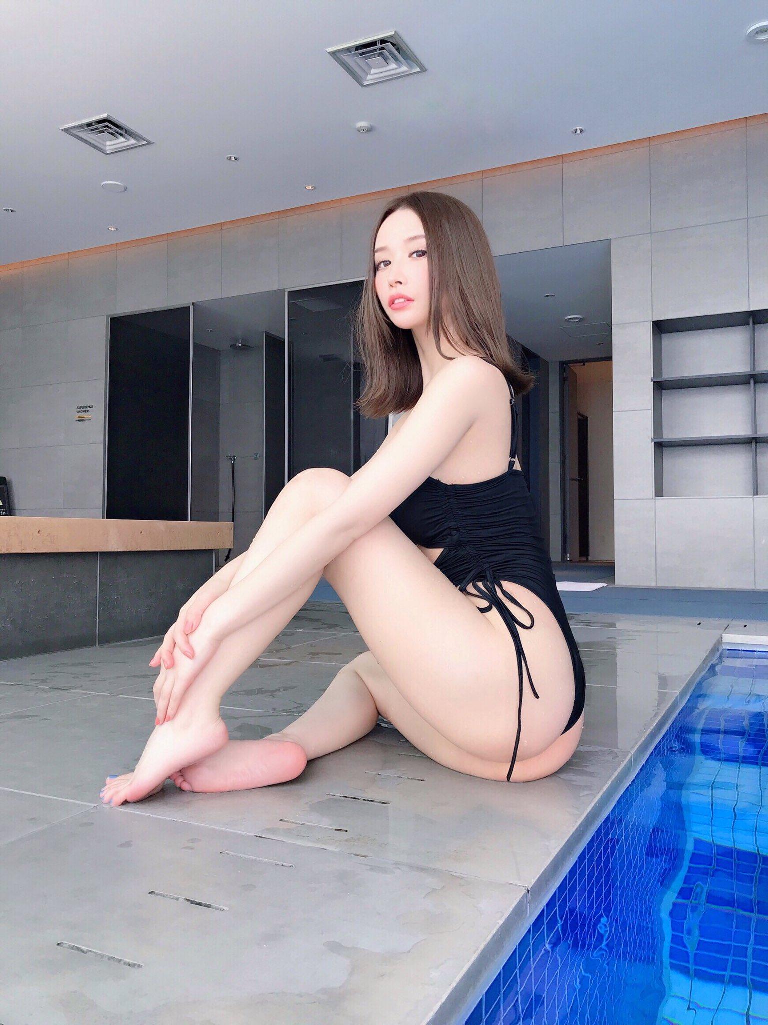 yoshimi_iyo181.jpg