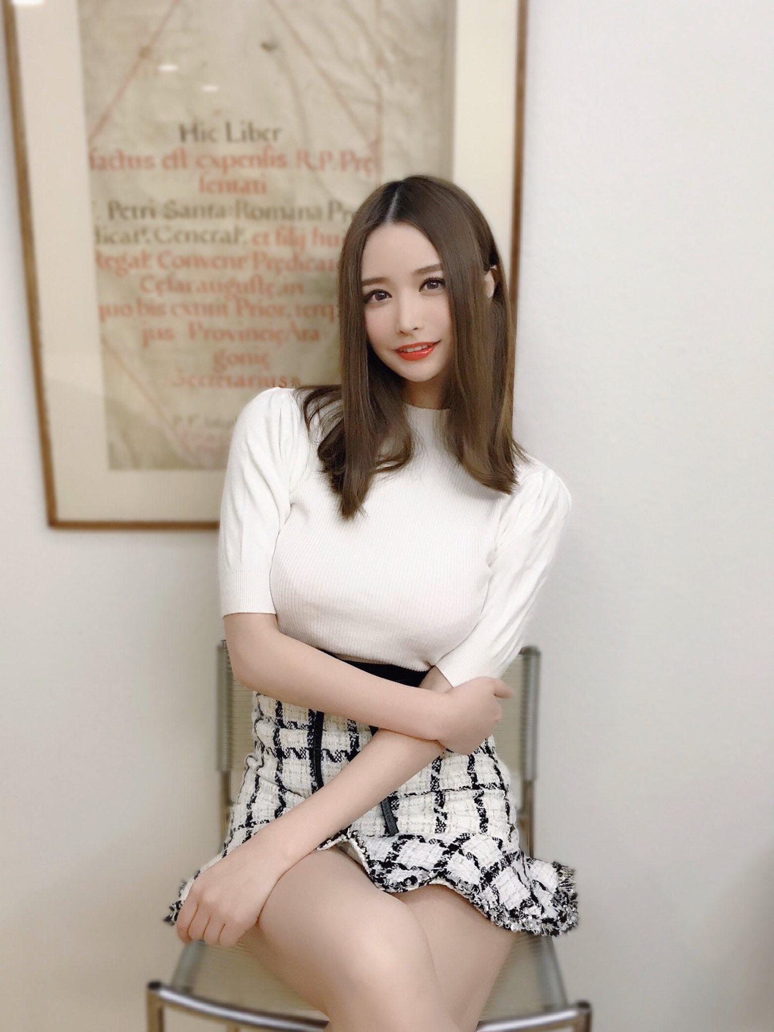 yoshimi_iyo190.jpg