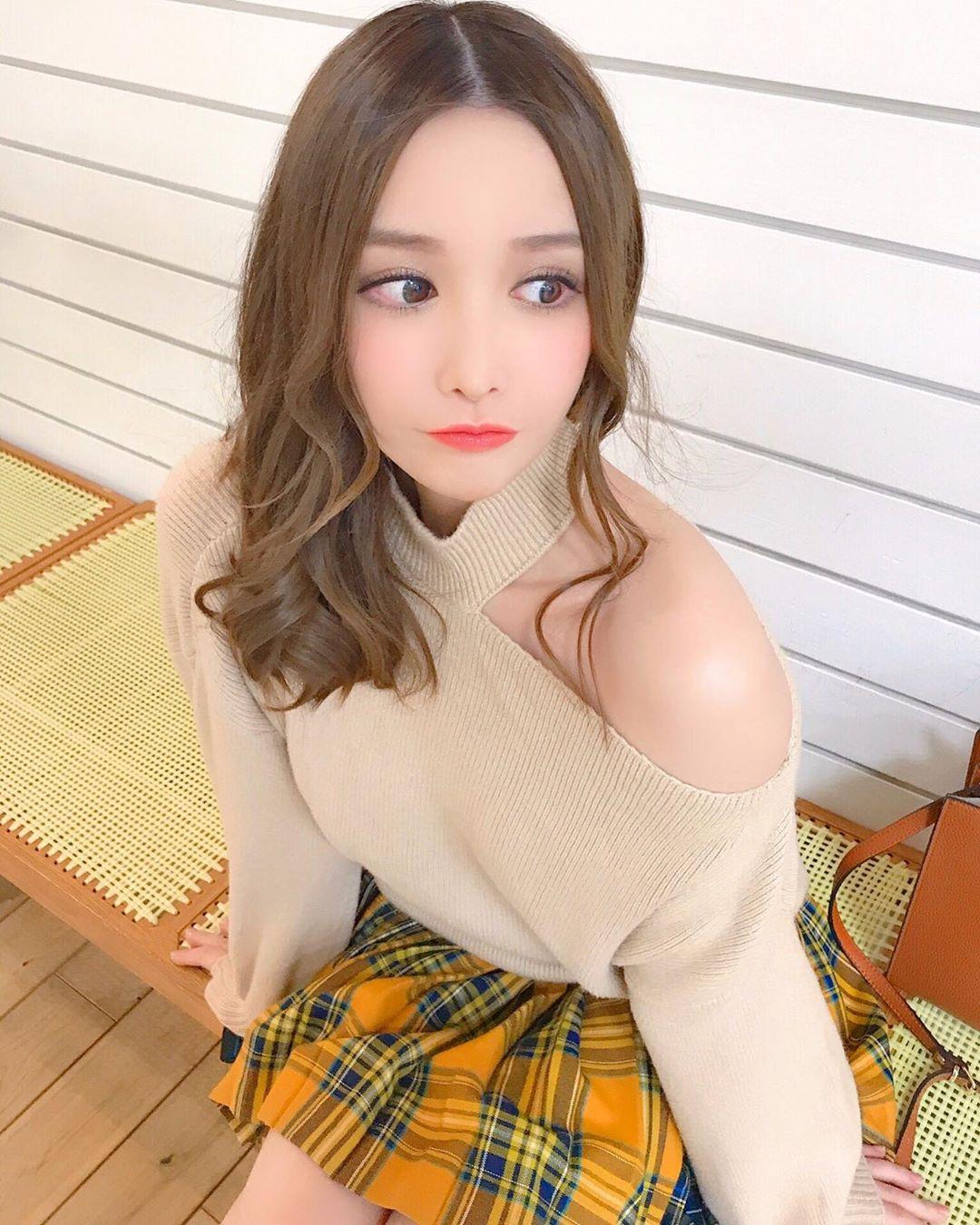yoshimi_iyo199.jpg