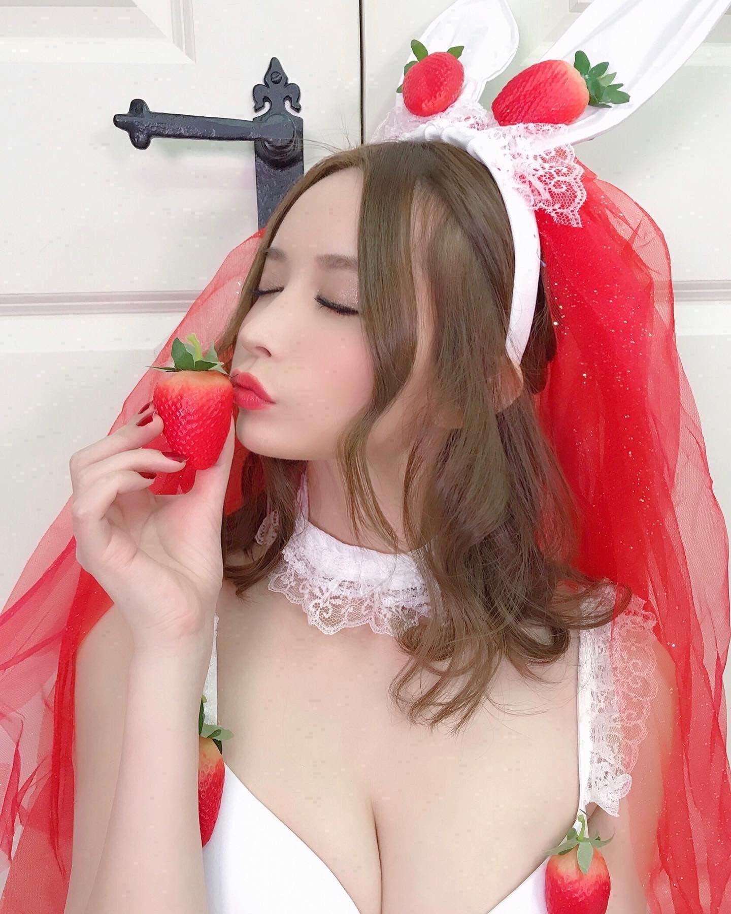 yoshimi_iyo209.jpg