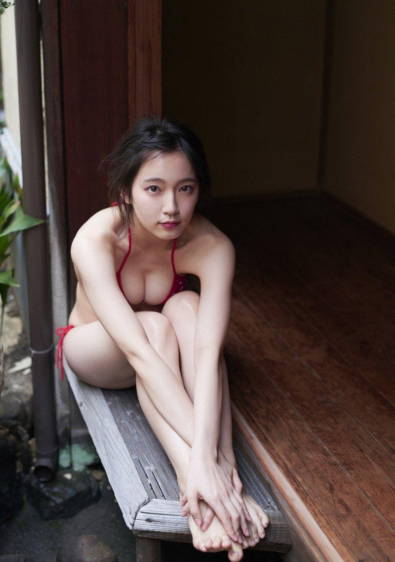 yoshioka_riho096.jpg