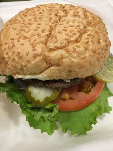 アメリカ空港ハンバーガー1