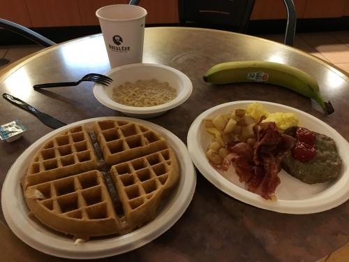 アメリカモーテル朝食ワッフル1