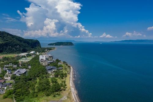 錦江湾と知林ヶ島