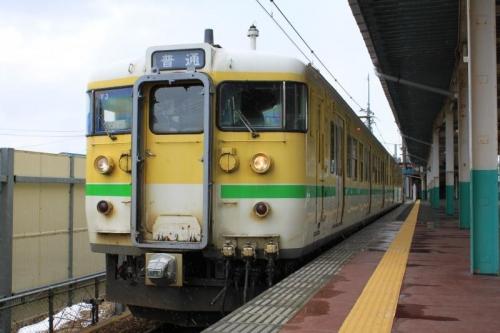 弥彦カラー115系