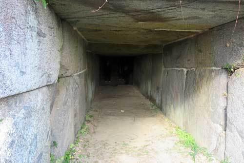 201129岩屋山石室