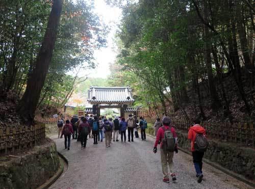201203円照寺へ2