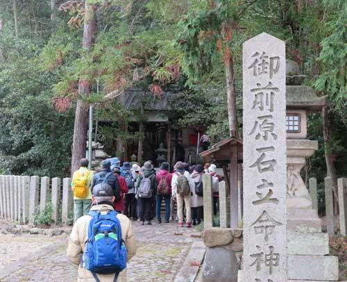 201203御前原石立神社