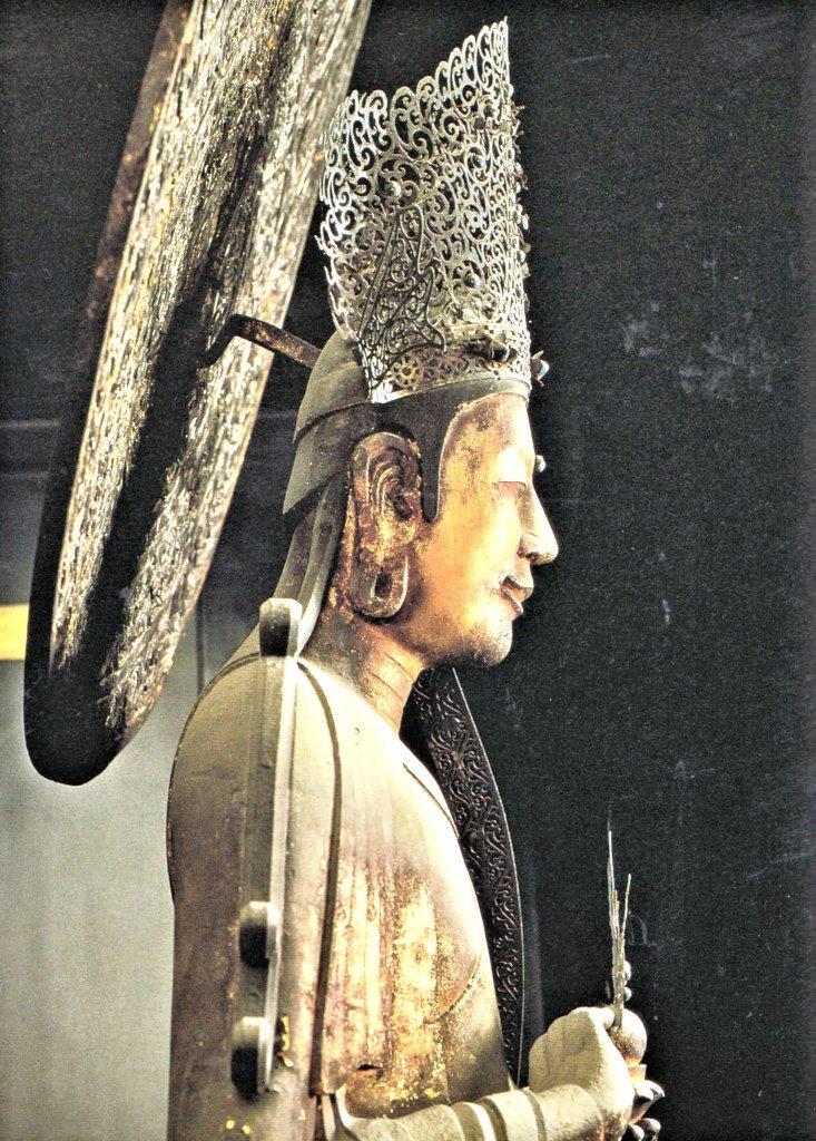 救世観音像~頭部側面(「救世観音」1997年法隆寺・小学館刊掲載写真)
