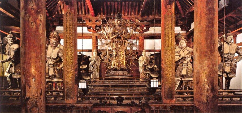 2013年修理前の法華堂・堂内安置仏像