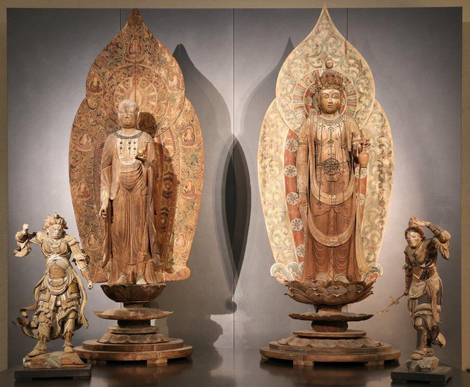 東博に並んで展示された室生寺金堂の地蔵菩薩像・十一面観音像