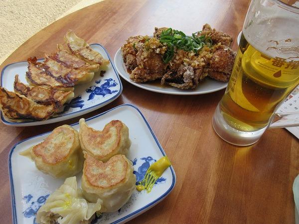⑩萬丸餃子焼きチーズ餃子油淋鶏ビール